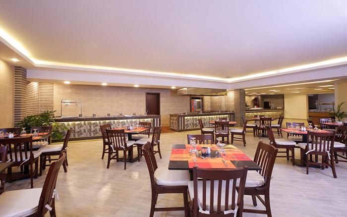 Aqua Vista Resort 4*
