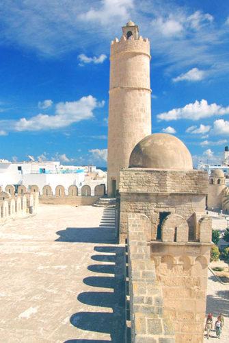 Курорт Сус в Тунисе - ночная жизнь, медина, порт и рестораны